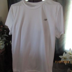 JB502.   New Balance Athletic Top.  Size Large